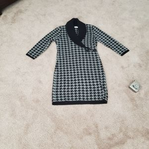 Hounds tooth sweater dress buckle detail